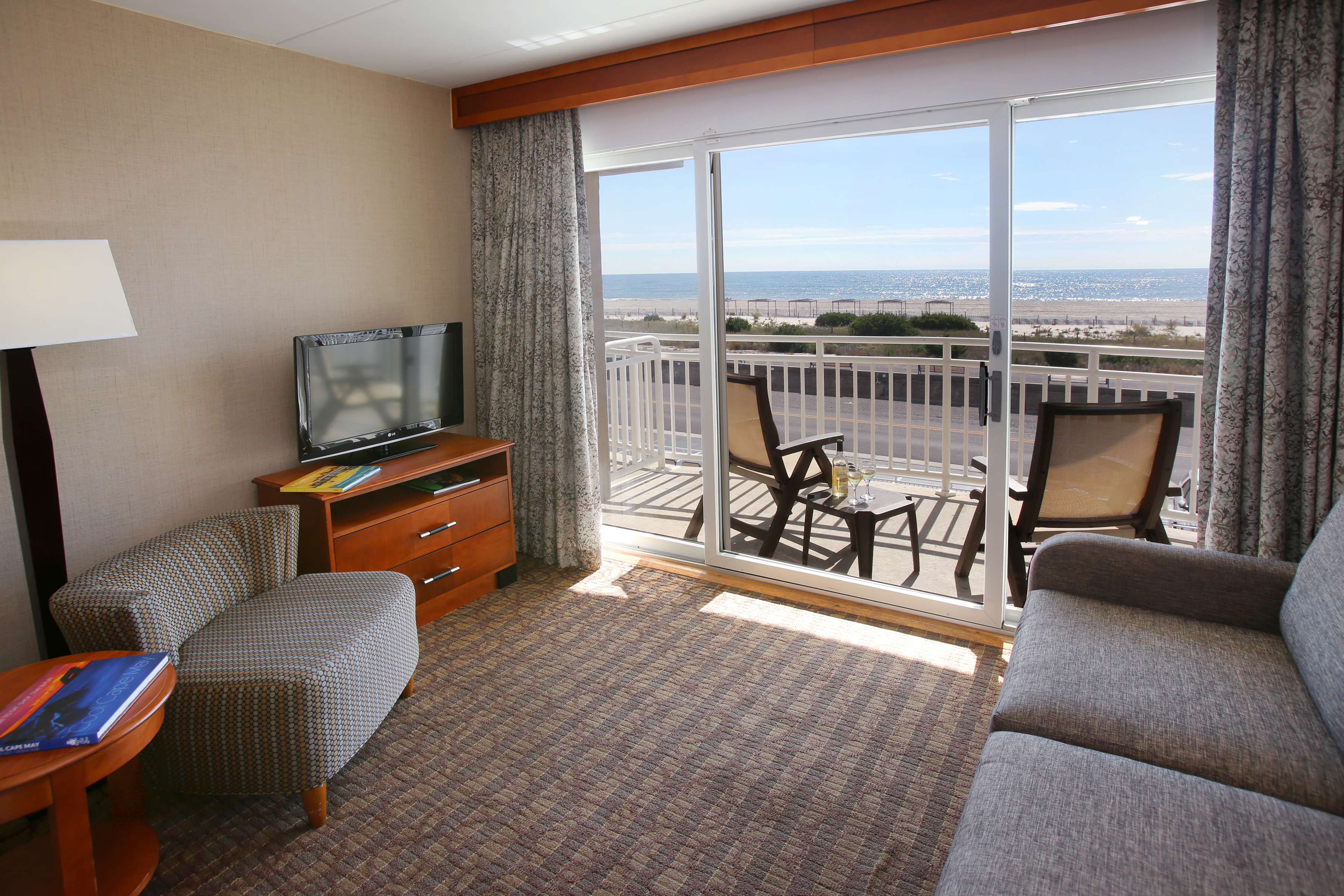 Cape May Oceanfront Hotels  Montreal Beach Resort